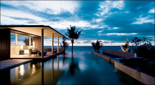 bali-alila-villas-soori-beachfront-residence-pool-at-dusk