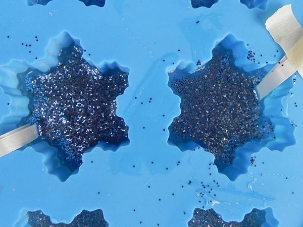 sprinkled glitter in mold