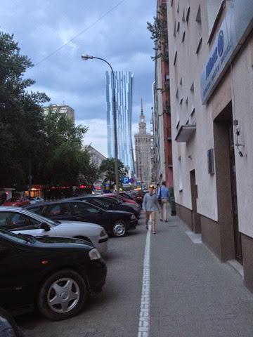 Вид от подъезда на улицу Злоту. Польша. Варшава. Poland. Warsaw. ul. Zlota