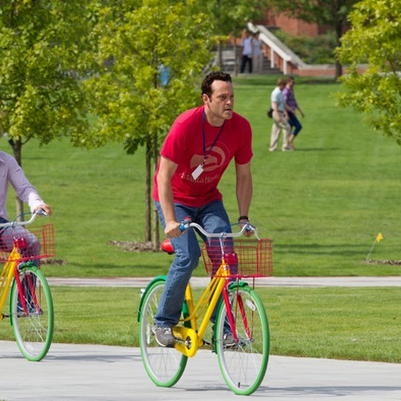 """40 Year Olds in Thinking Playground: """"The Internship"""" at Google Campus"""
