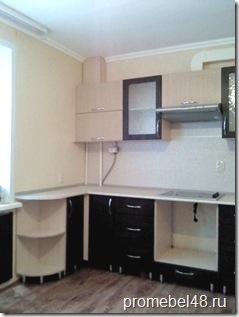 кухня по трём стенам