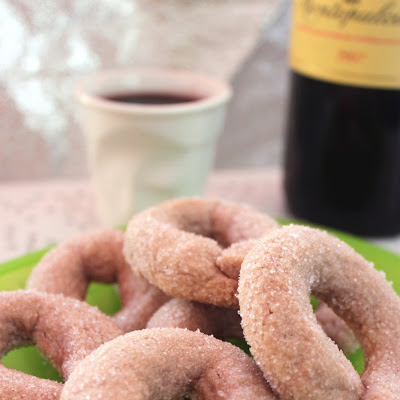 Italian Doughnuts with Red Wine