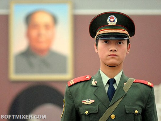 640px-Chinese_soldier_on_Tienanmen_Square