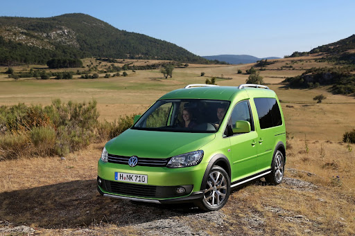 2013-VW-Cross-Caddy-01.jpg