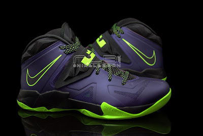 lebrons soldier7 purple volt 42 web black The Showcase: Nike Zoom LeBron Soldier VII JOKER