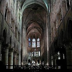 07.- Viollet le Duc. Reconstrucción de Nôtre Dame (París)