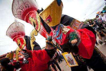 Phi Ta Khon festival thailandia