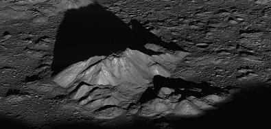 pico central da cratera Tycho na Lua