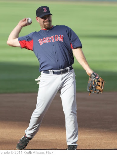 'Kevin Youkilis' photo (c) 2011, Keith Allison - license: http://creativecommons.org/licenses/by-sa/2.0/