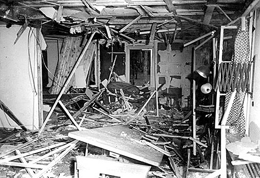 Bundesarchiv_Bild_146-1972-025-12_Zerstörte_Lagerbaracke_nach_dem_20._Juli_1944-656x446_thumb[11]