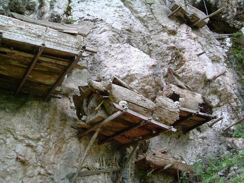 tana-toraja-burials-11