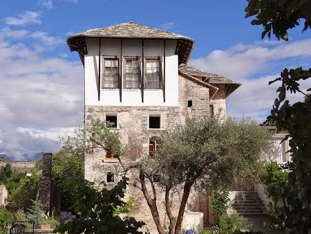 17. Casa-cetate albaneza.JPG