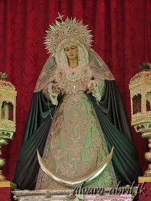 santa-maria-del-triunfo-de-granada-natividad-2013-alvaro-abril-vestimentas-(16).jpg