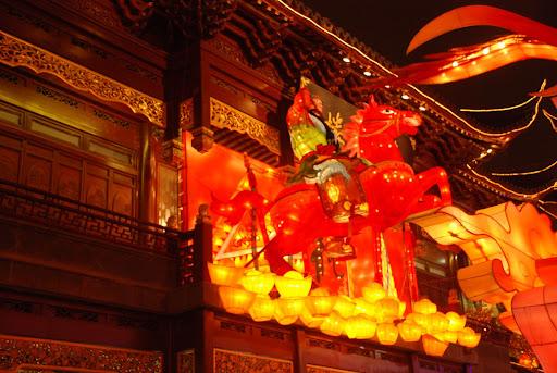 Shanghai Fête des Lanternes 2012 - Général à cheval