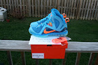 nike lebron 9 ps elite lebron pe china 3 07 Closer Look at Nike LeBron 9 P.S. Blue Flame and Tennis Balls PEs