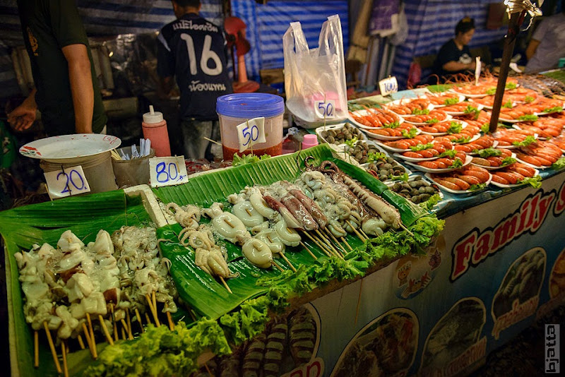 2557_Thailand_Pattaya_Jomtien_Night_market_at_beach-78