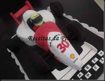 Bolo de aniversrio Carro de Formula 1 (Vegan)- lateral esquerda