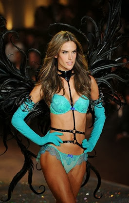 victorias_secret_desfile_fotos_sexy_angeles_lenceria_modelos_874742735_600x900