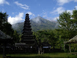 Besakih and the slopes of Agung (Rob Woodall, June 2007)