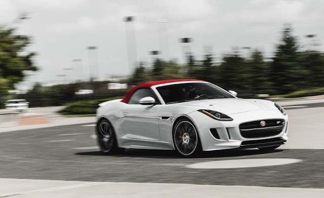 XE JAGUAR F TYPE COUPE 2017 05