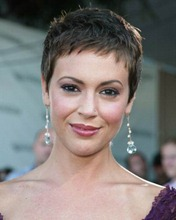 alyssa-milano-pixie-short-haircuts