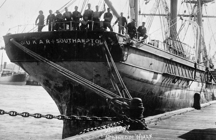 Vista de popa del SOUKAR. Southampton. Brodie Collection, La Trobe Picture Collection, State Library of Victoria.tif