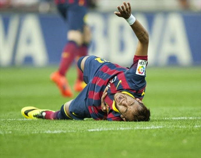 Barcelona-Neymar-caido