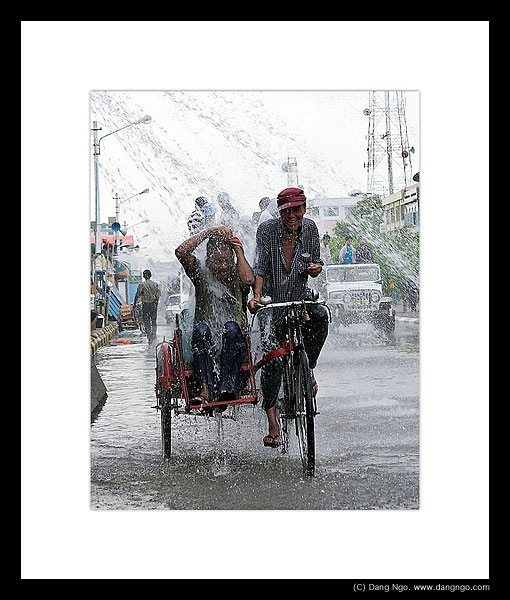 dn_burma_waterfest1_104-8527