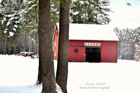 snowy red barn1