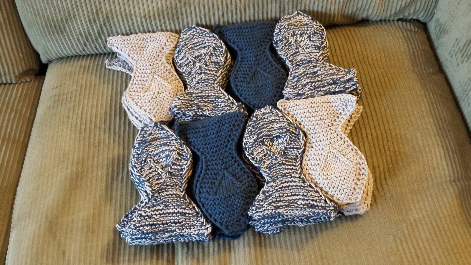 ChemKnits: Tessellated Fish Blanket