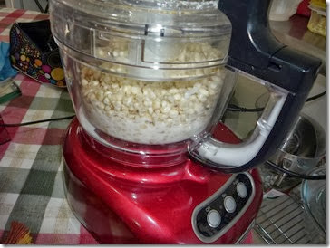 3.- Añade los granos y sigue procesando