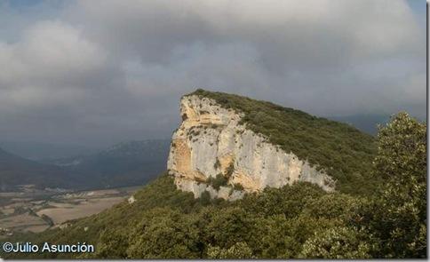Vista del cortado del mirador de Lazkua desde Altikogaa - Eraul