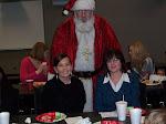 15.2011.Santa and Leah and Peggy.jpg