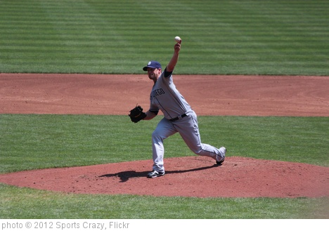 'Eric Stults' photo (c) 2012, Sports Crazy - license: http://creativecommons.org/licenses/by-sa/2.0/