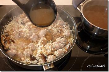 1-3-risotto butifarra bolets-pas6-ETI