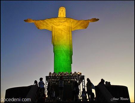 Cristo verde e amarelo