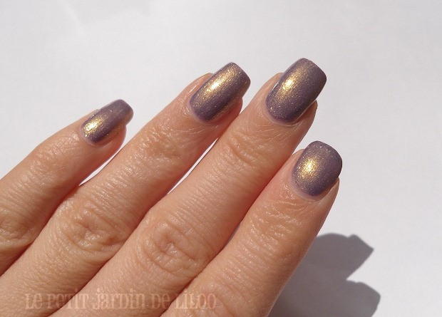005-marks-spencer-lilac-nail-polish-limited-edition-review-swatch
