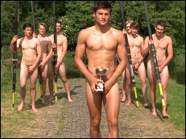 meninos do clube de remo da Universidade de Warwick