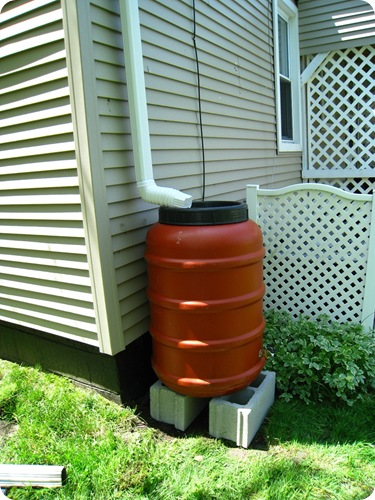 rainbarrel_sideview_athomewithh