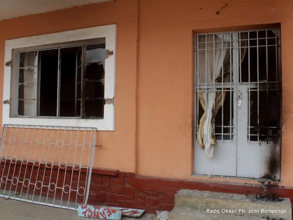 Siège de l'UDPS incendié le 6/9/2011 à Kinshasa