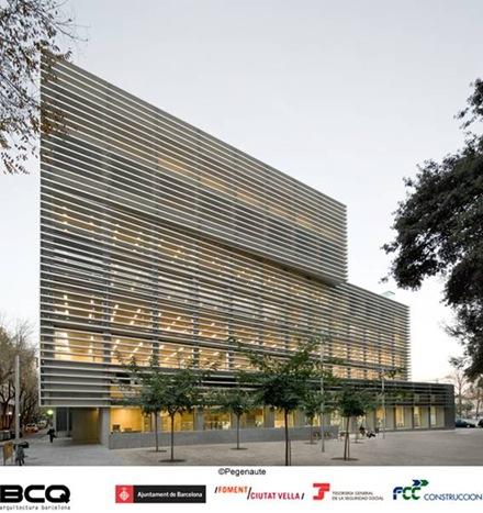 fachada-edificio-moderno-barcelona