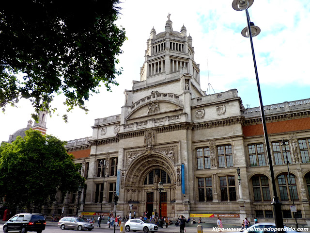 victoria-and-albert-museum-london.JPG