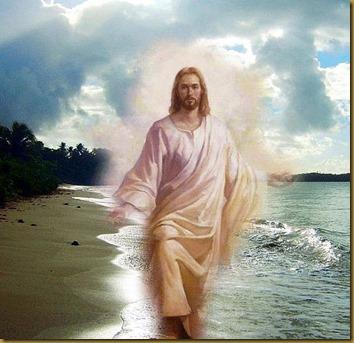 CAMINA JESUS EN LA PLAYA