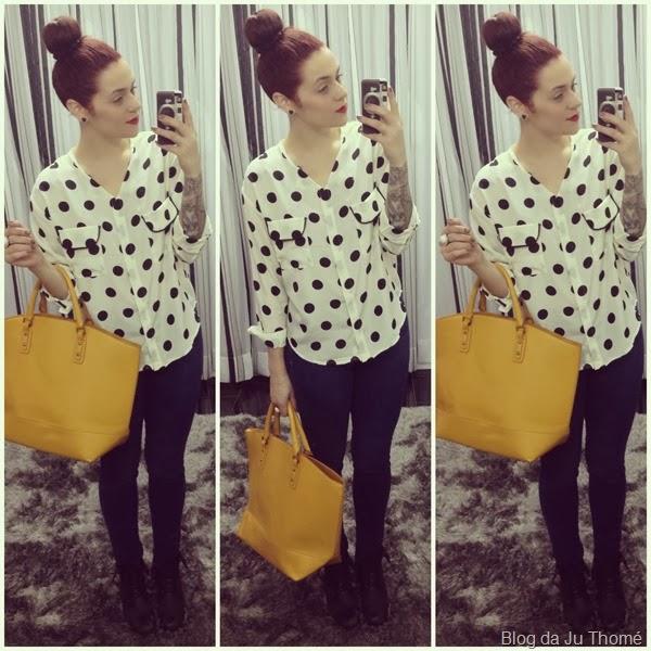 look camisa estampa bolinha, jeans e bolsa amarela (2)