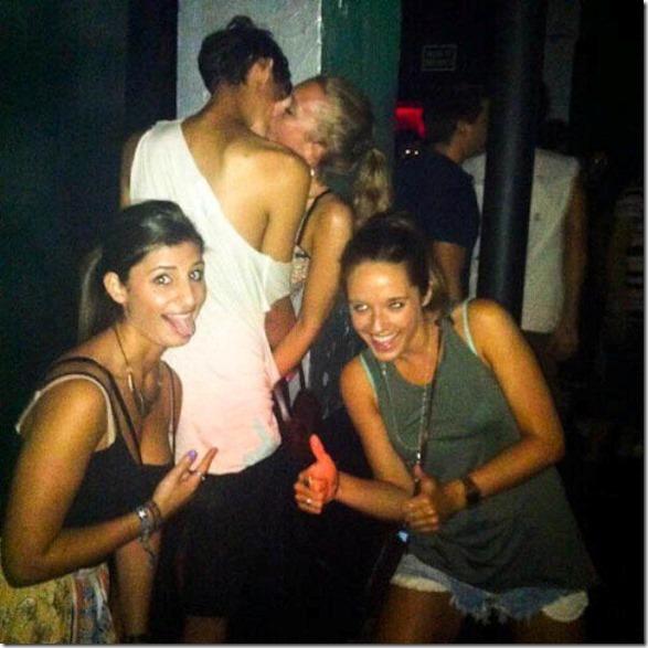 drunk-women-party-11