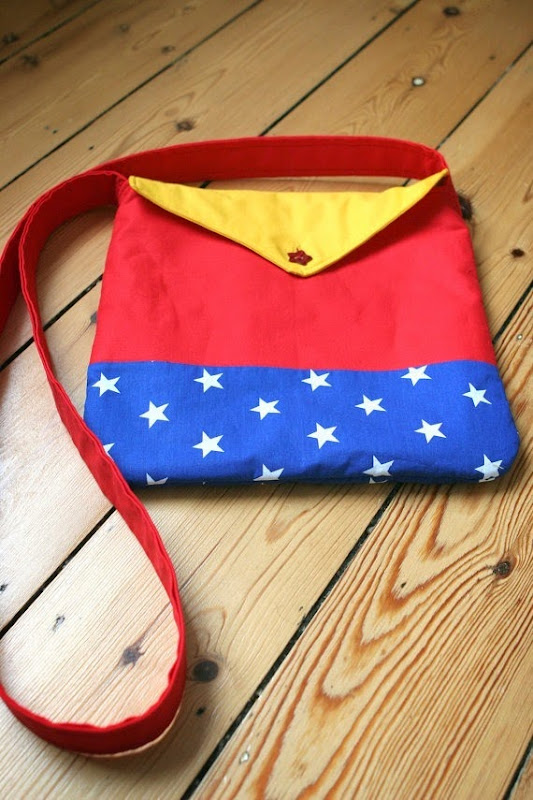 Wonder Woman Messenger Bag from Moo and Maloneuk