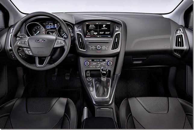 2015-Ford-Focus-Turnier-5[3]