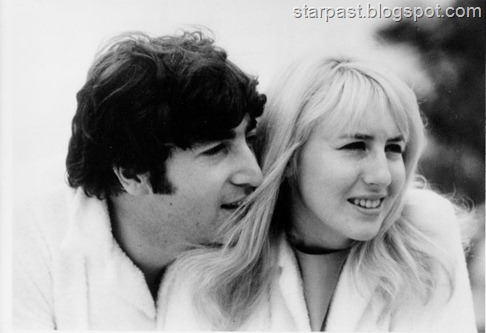 John-and-Cyn-john-lennon-25003924-604-414