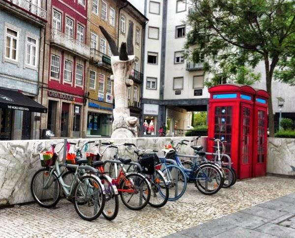 Estacionamento para bicicletas em Braga, na Rua dos Chãos, (junto à Arcada)