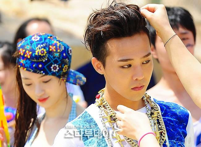 G-Dragon - Hite - 2014 - Ocean World - 04jul2014 - Press - Star MK - 01.jpg